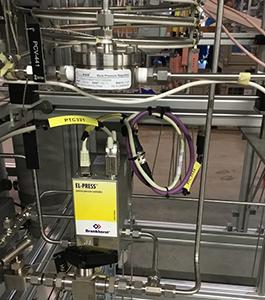 Digital pressure meter/controller features flow-thru design