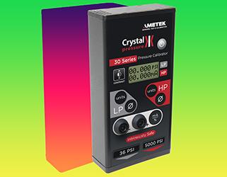 Portable wide range digital pressure calibrator